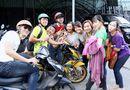 Tin tức giải trí - Anh Em bất ngờ quay lại Làng Hài Mở Hội  để hỗ trợ Tỷ Muội