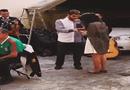 Video-Hot - Cô gái ngất xỉu vì được cầu hôn