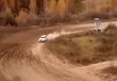 Video-Hot - Giây phút xe đua lao vào trạm kiểm soát khiến 1 người chết