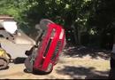 Video-Hot - Con gái âu yếm bạn trai trong xe, bố phá nát Audi