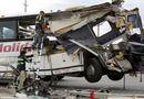 Video-Hot - Xe buýt đâm xe tải, 13 người thiệt mạng