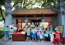 Tin tức giải trí - Hoa hậu Ngọc Hân, Á hậu Thanh Tú dạy vẽ cho trẻ em
