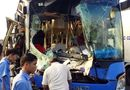 Tin trong nước - 9 người bị thương sau phút xe khách vượt xe tải