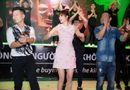 """Tin tức giải trí - Phạm Hương vừa bị ốm vẫn tưng bừng nhảy """"vũ điệu hoang dã"""""""