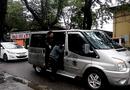 """Tin trong nước - Huế: Xe """"dù"""" đội lốt xe VIP Limousine, ngang nhiên đón trả khách"""