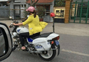 An ninh - Hình sự - Xác minh hình ảnh người phụ nữ đi dép lê lái xe đặc chủng CSGT