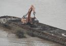 An ninh - Hình sự - Vụ tàu xả thải xuống sông Hồng: Điều chuyển 3 cán bộ CSGT