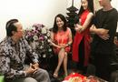 Tin tức giải trí - Hoài Lâm đeo nhẫn đôi sang nhà bạn gái chúc Tết