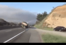 Video-Hot - Khi xe tải hạng nặng đánh võng trên cao tốc