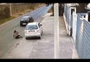 Video-Hot - Trắng trợn cướp ô tô giữa đường phố Ý