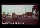 Video-Hot - Bạn làm gì khi bị xe khác cắt mặt?