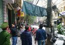 Tin trong nước - Vứt rác ra vỉa hè Hà Nội, một người phụ nữ bị phạt 6 triệu