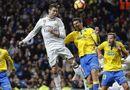 Bóng đá - Siêu nhân Ronaldo giúp Real thoát thua, Barca thắng hủy diệt