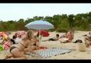 Video-Hot - Người đẹp bikini chết lặng vì bị chơi khăm trên bãi biển