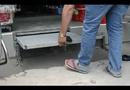 Video-Hot - Người Sài Gòn lắp bậc tam cấp ngầm trên vỉa hè