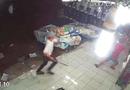 """An ninh - Hình sự - Điều tra vụ """"côn đồ"""" vác hung khí xông vào cửa hàng quần áo chém người"""