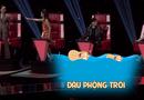 """Tin tức giải trí - Giọng hát Việt 2017: Han Sara mặc hanbok hát """"Lạc trôi"""" khiến 4 HLV """"tranh cãi"""""""