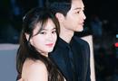 """Chuyện làng sao - Song Joong Ki và Song Hye Kyo yêu nhau trước cả khi """"Hậu duệ Mặt Trời"""" phát sóng"""