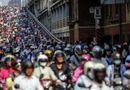 Tin thế giới - 24h qua ảnh: Bức ảnh đáng sợ về giao thông bằng xe máy ở Đài Loan