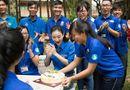 Chuyện làng sao - Á hậu Hà Thu đón sinh nhật bất ngờ cùng sinh viên tình nguyện