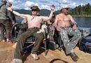 Tin thế giới - Tổng thống Putin cởi trần, hòa mình với thiên nhiên trong kỳ nghỉ hè