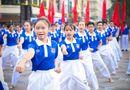 """Đời sống - Hàng ngàn người """"phủ xanh"""" phố đi bộ cổ vũ Đoàn Thể thao Việt Nam"""