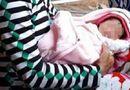 Tin trong nước - Bé gái sơ sinh bị bỏ chậu trôi sông