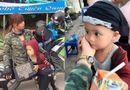 Tin tức - Bà mẹ đơn thân 20 tuổi dẫn con trai 3 tuổi đi phượt bằng xe máy để thực hiện ước mơ