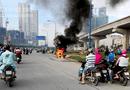 Tin trong nước - Xe tay ga cháy trơ khung trên xa lộ Hà Nội, chủ xe bỏ chạy thoát thân