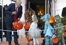 """Tin thế giới - Tổng thống Donald Trump phát kẹo cho hàng loạt """"quái vật"""" tại Nhà Trắng"""