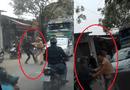 Tin tức - Hà Nội: CSGT bị 2 đối tượng xô đẩy, cản trở khi xử lý xe tải
