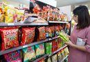 Sức khoẻ - Làm đẹp - Năm 2017: Người Việt chi gần 8.000 tỉ đồng ăn snack