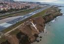 Tin tức - Máy bay Thổ Nhĩ Kỳ chở 162 khách gặp nạn, nằm cheo leo trên vách đá