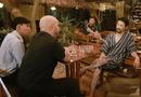 Tin tức - Sau khi bị từ chối, võ sư Flores đã gặp được Johnny Trí Nguyễn