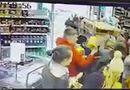 """Tin thế giới - Ireland: Người dân đổ xô đi mua thực phẩm dự trữ vì sợ """"Quái vật phương Đông"""""""