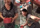 """Tin tức - Clip """"Con gái nhà người ta"""" tặng mẹ hộp quà 8/3 khiến dân mạng"""