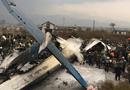 Tin tức - Máy bay chở 71 người bốc cháy kinh hoàng, ít nhất 39 người thiệt mạng