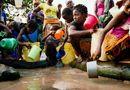 Tin thế giới - Hơn 800 triệu người dân trên thế giới mất 30 phút để kiếm nước sạch