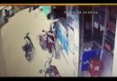 Tin tức - Clip: Táo tợn dùng dao cướp điện thoại của người phụ nữ giữa ban ngày