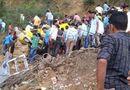 Tin thế giới - Xe buýt lao xuống hẻm núi, gần 30 học sinh cấp 1 thiệt mạng