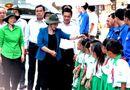 Kinh doanh - Vinamilk trồng gần 100 ngàn cây xanh và trao tặng 66.000 ly sữa tại tỉnh Cà Mau