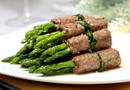 Tin tức - Bữa trưa ngon cơm với món thịt bò cuốn măng tây