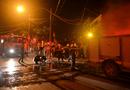 Tin tức - Hà Nội: Khu tập thể cháy lớn trong đêm, hàng trăm cư dân hoảng loạn