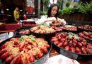Tin tức - Chỉ việc ăn tôm hùm quanh năm suốt tháng nhận ngay lương khoảng 2 tỷ đồng