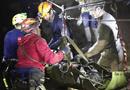 Tin thế giới - Video hải quân Thái Lan: Đội bóng không lặn mà được khiêng ra khỏi hang