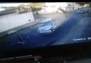 Tin thế giới - Video: Đi xe đạp qua ngã tư, thanh niên bị ôtô đâm bay lên camera trên cột điện