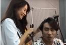 Tin tức - Giữa tin đồn người thứ ba, An Nguy thản nhiên làm tóc cho Kiều Minh Tuấn, cả hai cười đùa vui vẻ