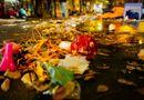 """Tin tức - Sau đêm Trung thu, ngán ngẩm cảnh phố đi bộ Hà Nội biến thành """"biển rác"""""""