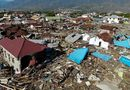 Tin thế giới - Thảm họa sóng thần Indonesia: Người dân chật vật tìm cách sinh tồn, bới rác để tìm thức ăn