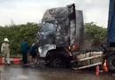 Tin tức - Xe container bốc cháy dữ dội ở Nghệ An